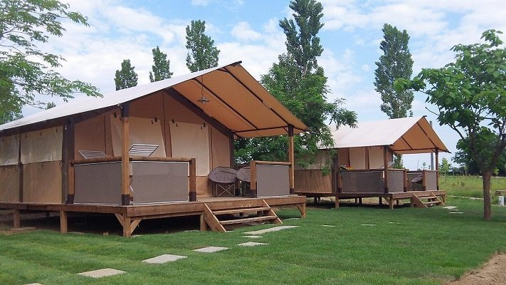 NEW!! BUNGALOW TENT ON STILTS / 30m² / 5 Pers